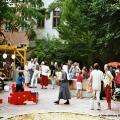 Eröffnungsfeier im Juni 2003 - Menschen im Park