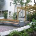 Pergola, Sitzschnecke - Hochbeet im Mariahilfer Ruhe- und Therapiegarten
